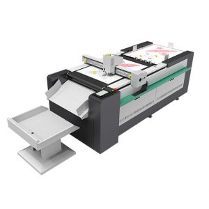 PLOTTER-FUSTELLATRICE-DIGITALE-MOD-DIGIT-AUTO-PRO-PLASTITECH